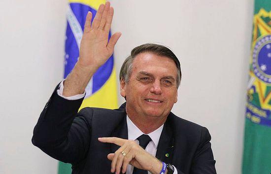 Bolsonaro insiste en críticas a Argentina y elogia a Uruguay published in Noticias